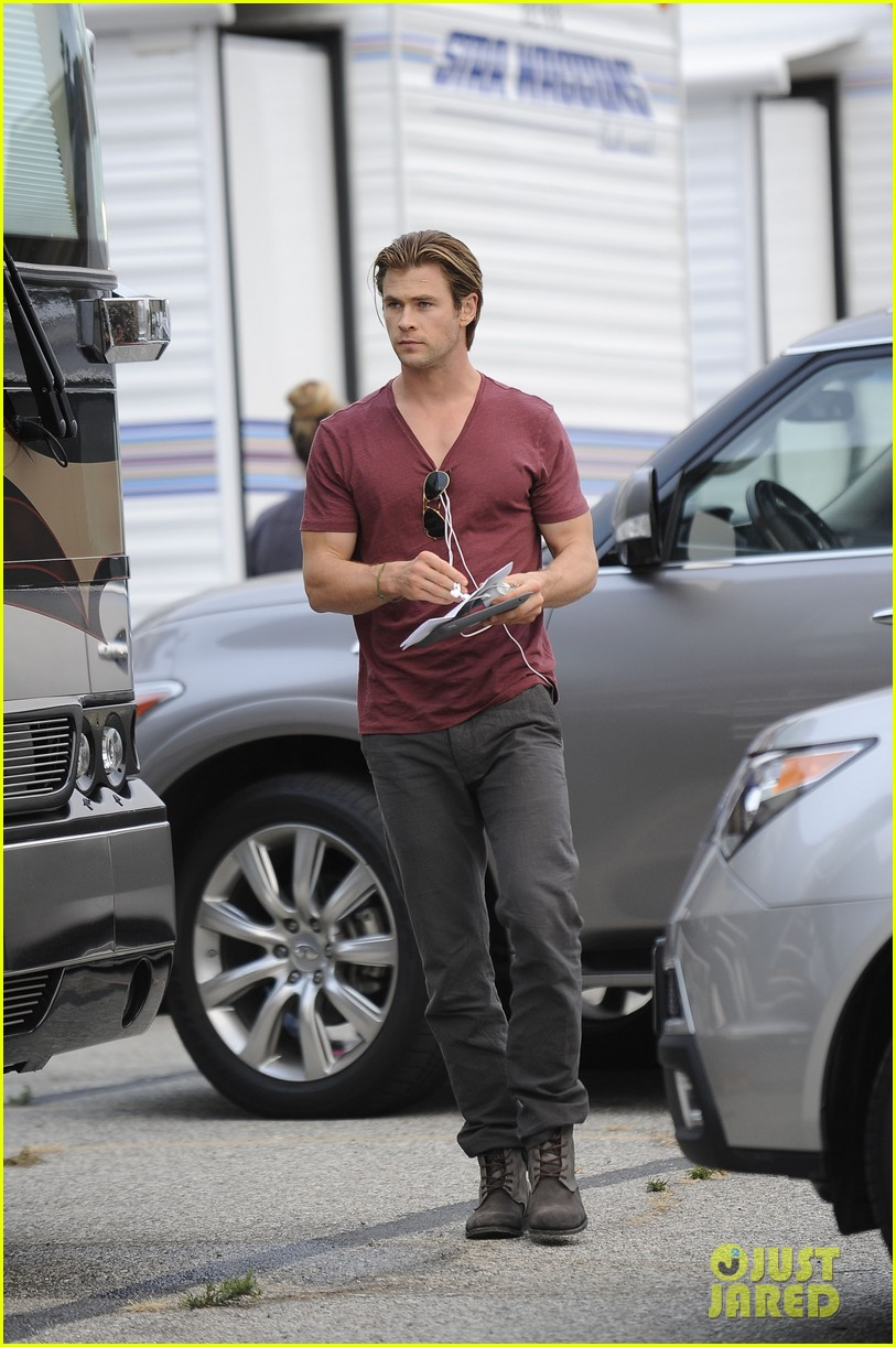 chris hemsworth fatherhood has changed me for better 012890571