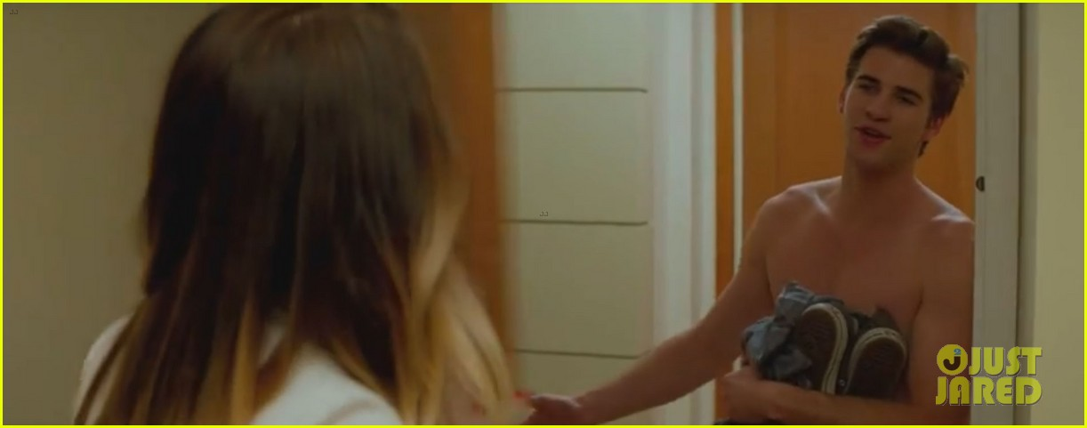 liam hemsworth shirtless in new paranoia trailer video 102885245