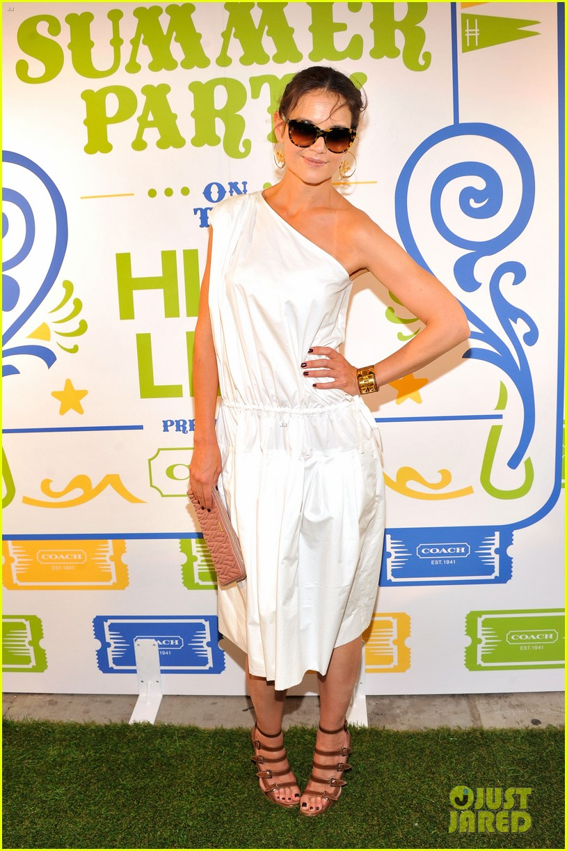 katie holmes connie britton coach highline summer party 01
