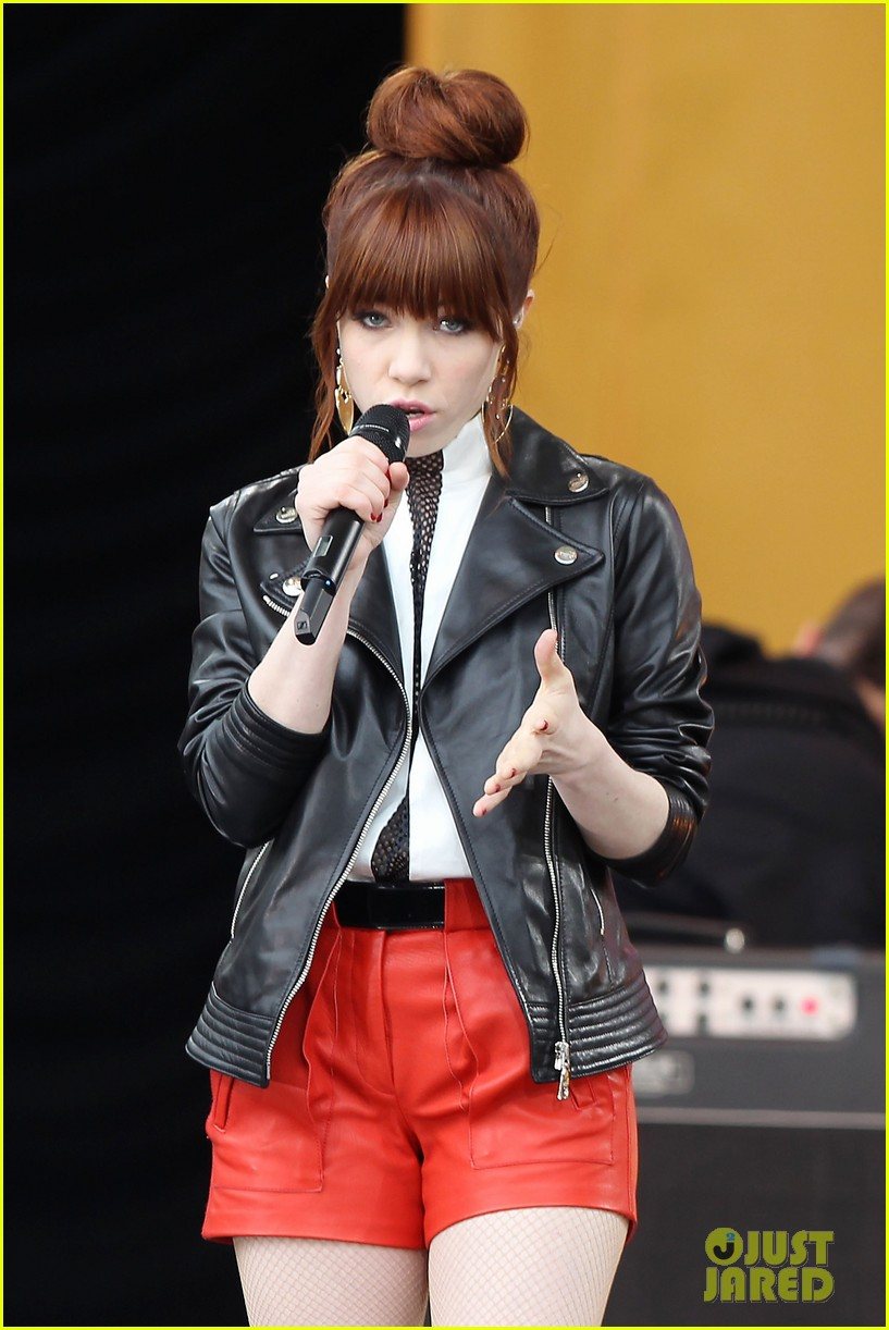 carly rae jepsen rocks good morning america 13