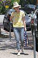 january jones hides new haircut under hat 15