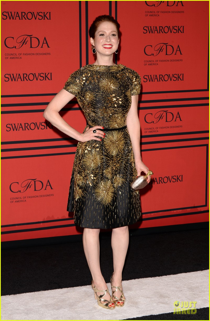 ellie kemper linda cardellini cfda fashion awards 2013 red carpet 01