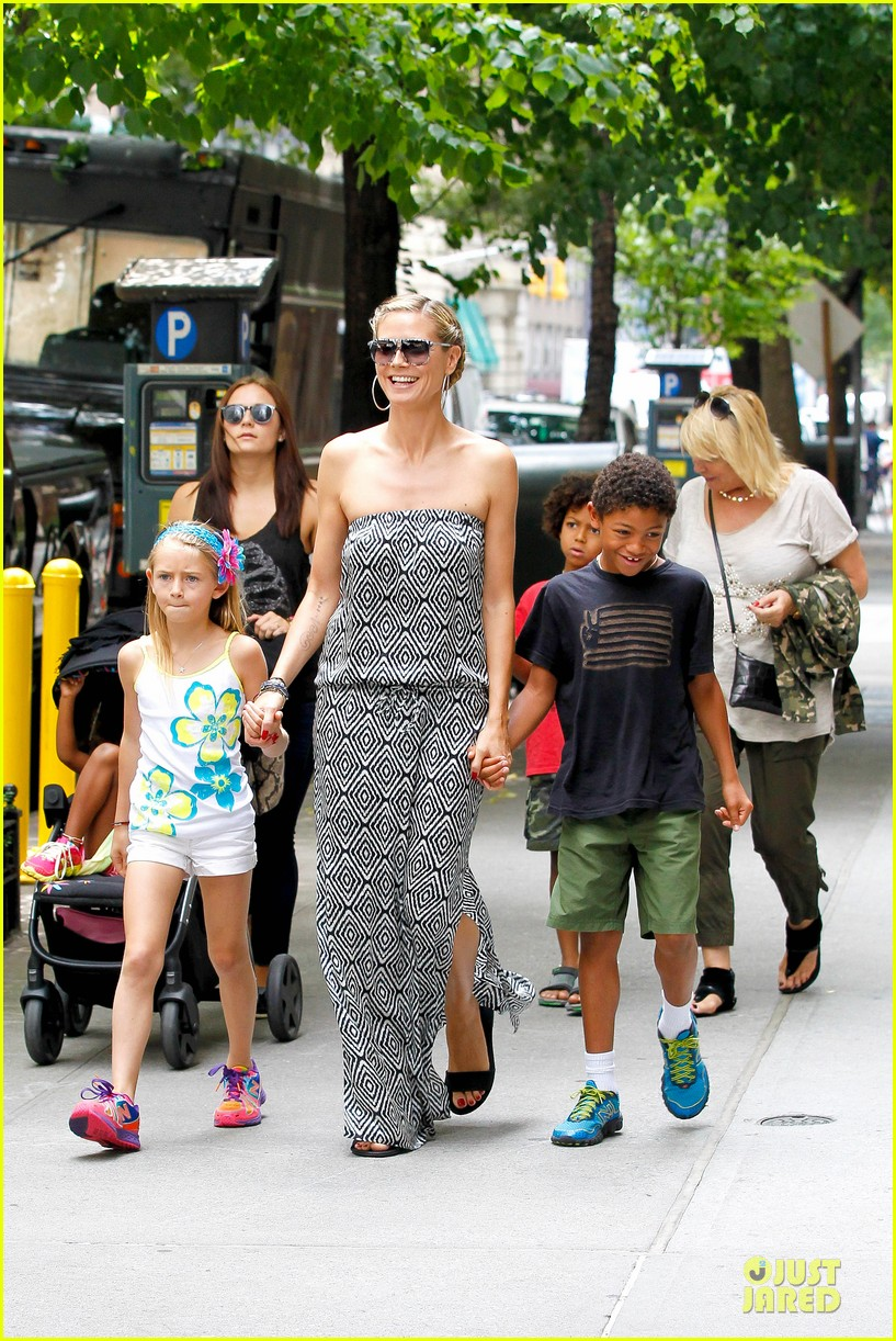 heidi klum i saved my kids hair for art projects 252900714