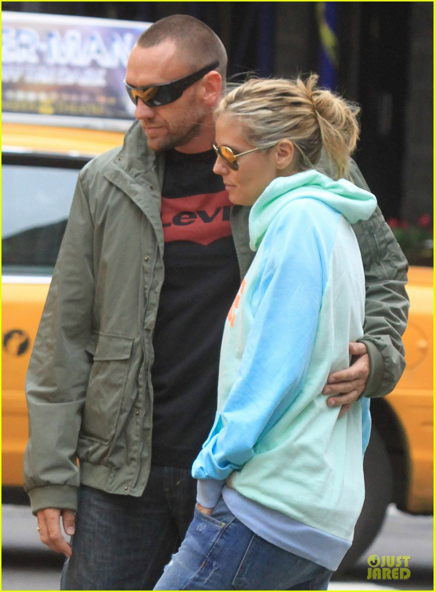 heidi klum martin kirsten holding hands during nyc run 072891535