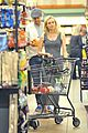 joshua jackson cuddles diane kruger in the checkout line 07