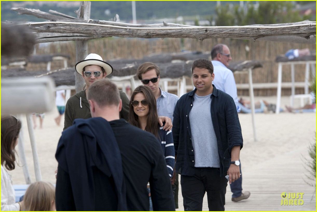 ashton kutcher mila kunis saint tropez with princess beatrice of york 062886954