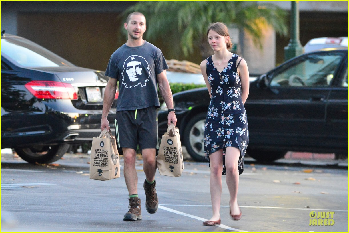 shia labeouf carries the groceries for mia goth 022884034
