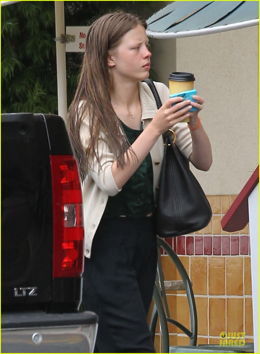 shia labeouf gas tank pumper before grocery run with mia goth 04