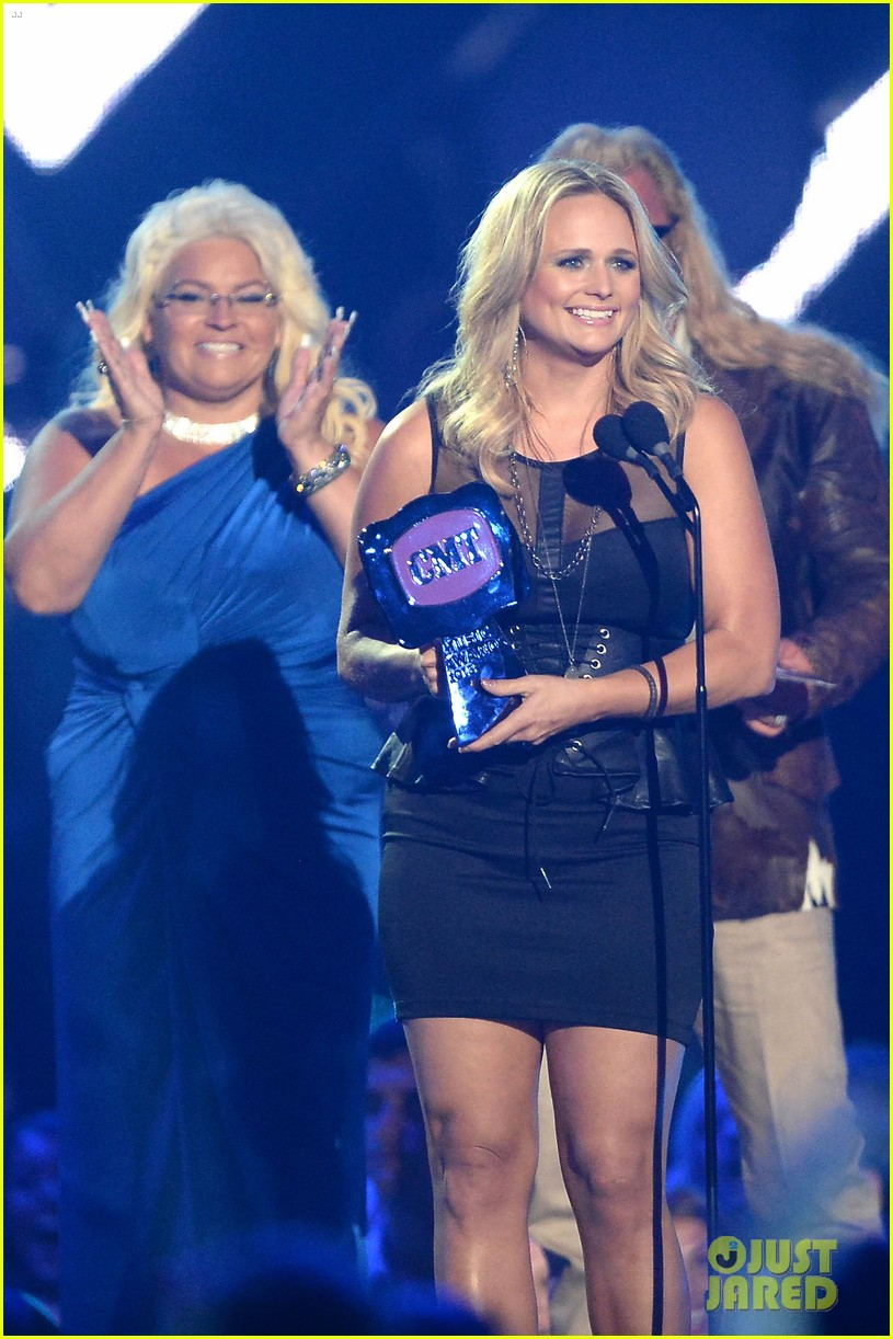 miranda lambert cmt music awards 2013 performance video 022885225