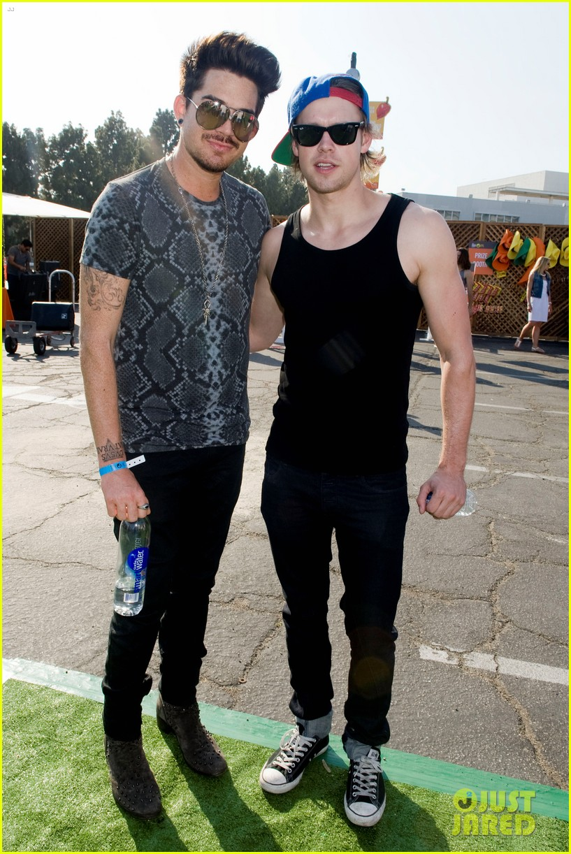 adam lambert hammer time at just jared summer kick off party presented by mcdonalds 25
