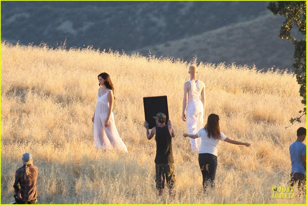 lana del rey music video bikini babe 34
