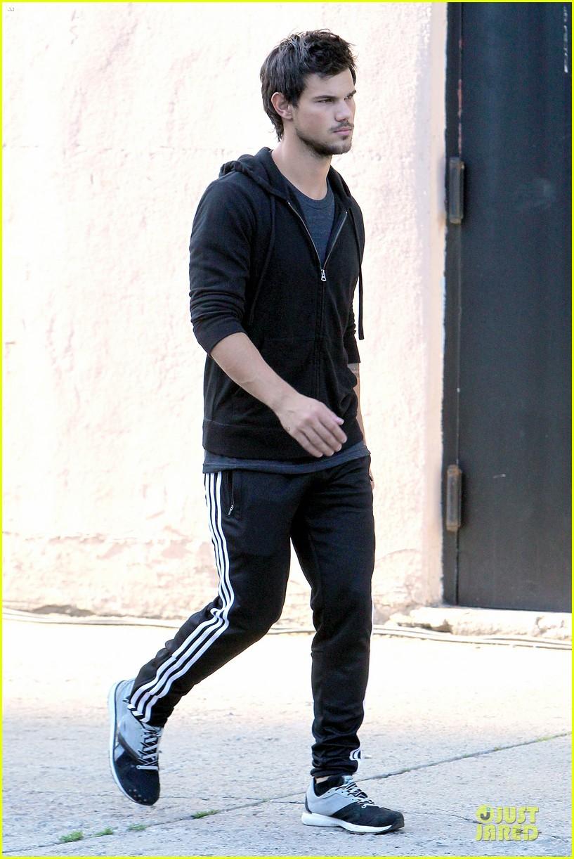 Taylor Lautner Full Body 2013