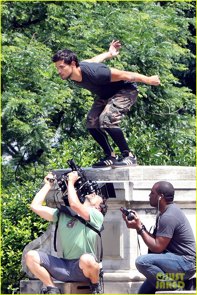 taylor lautner tracers shirt lift 11