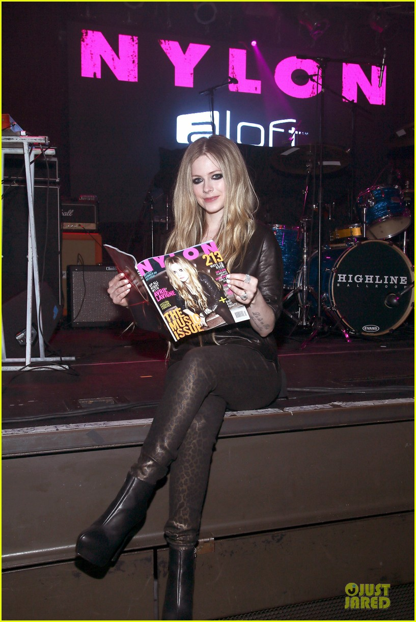 avril lavigne nylon magazine cover party 072889339