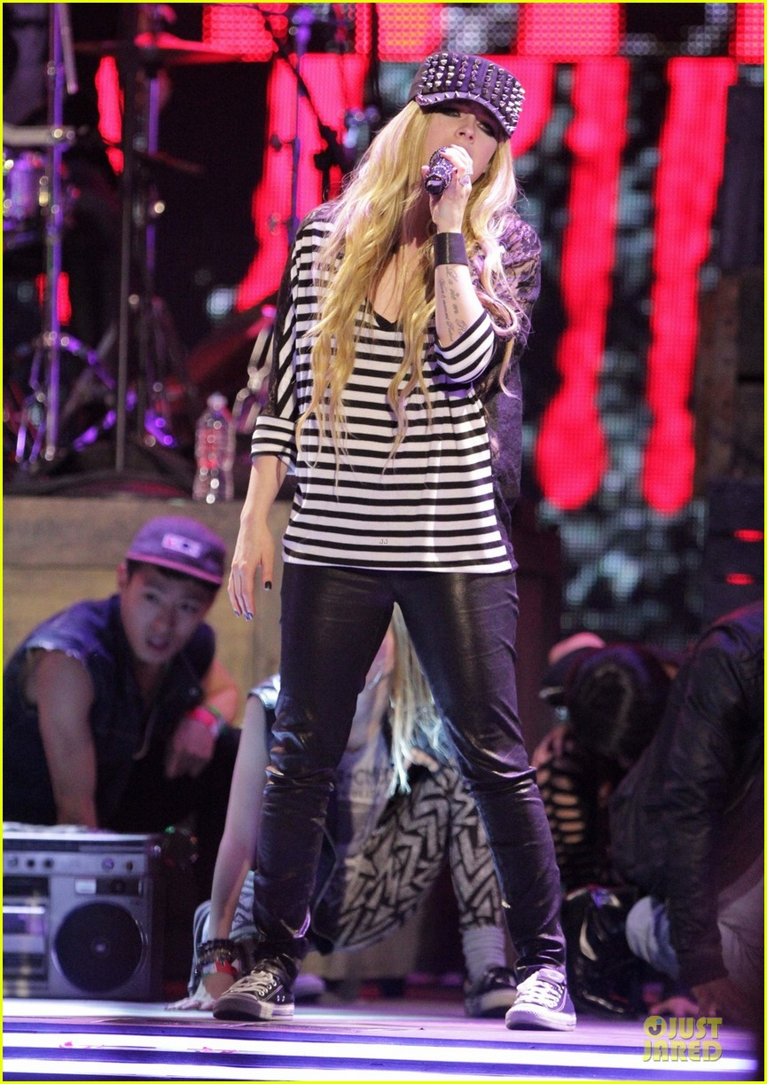 avril lavigne much music video awards rehearsal 01