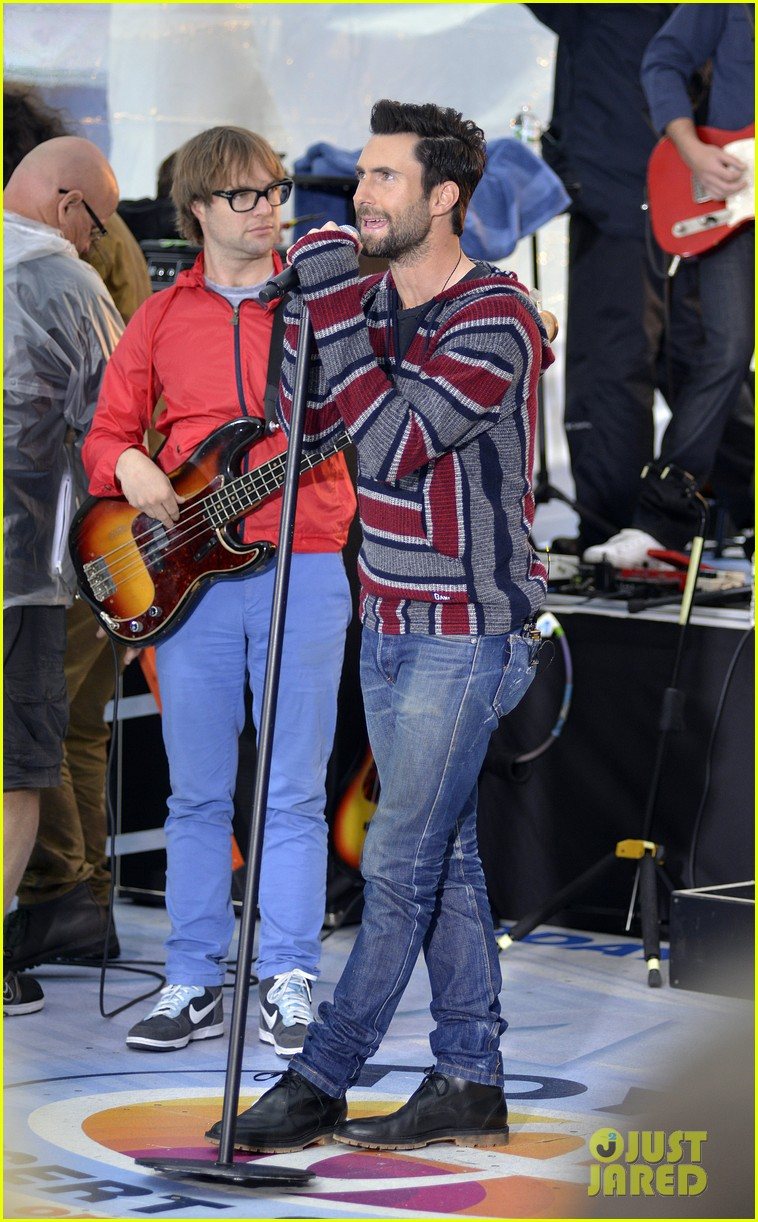 adam levine maroon 5 today show performance 11
