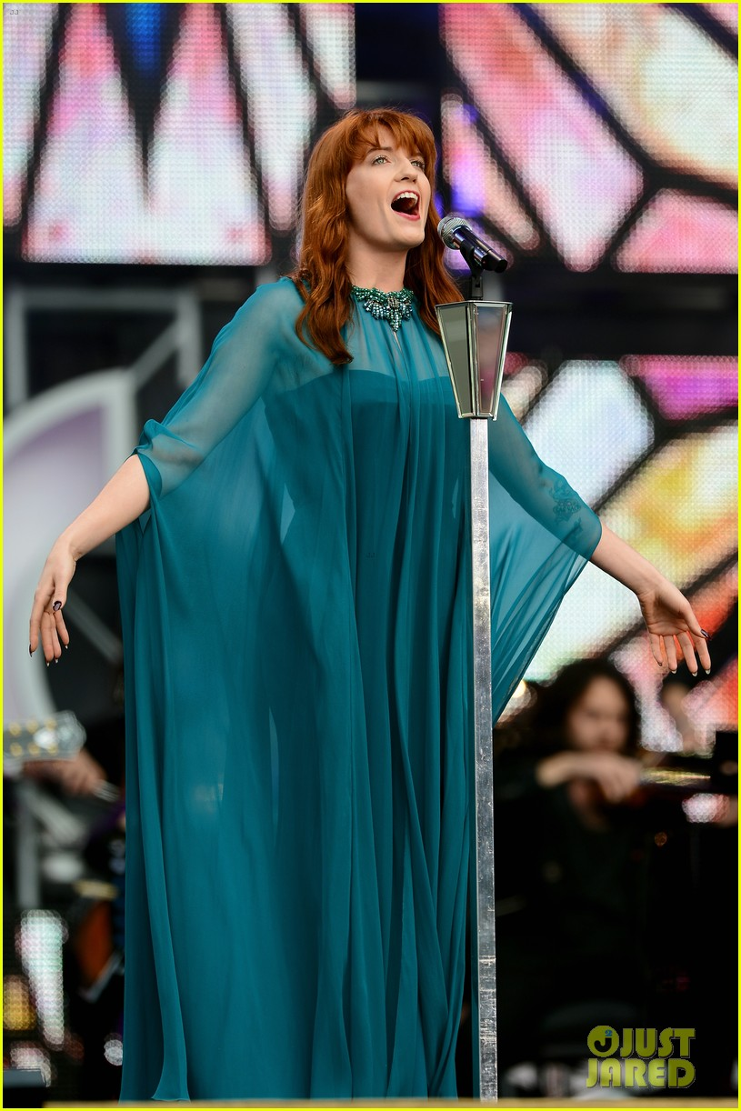 blake lively florence welch chime for change concert 08