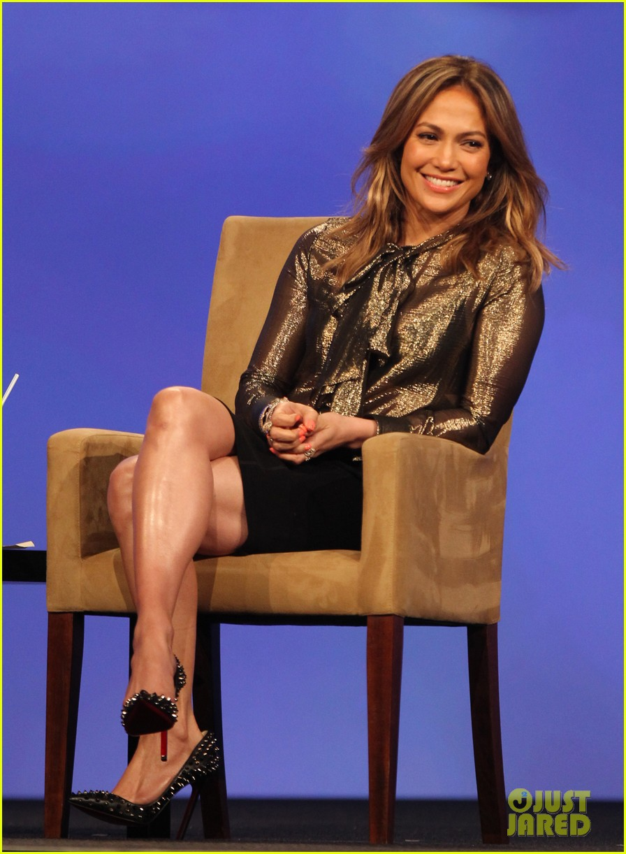 jennifer lopez visits the cable show 2013 in dc 09