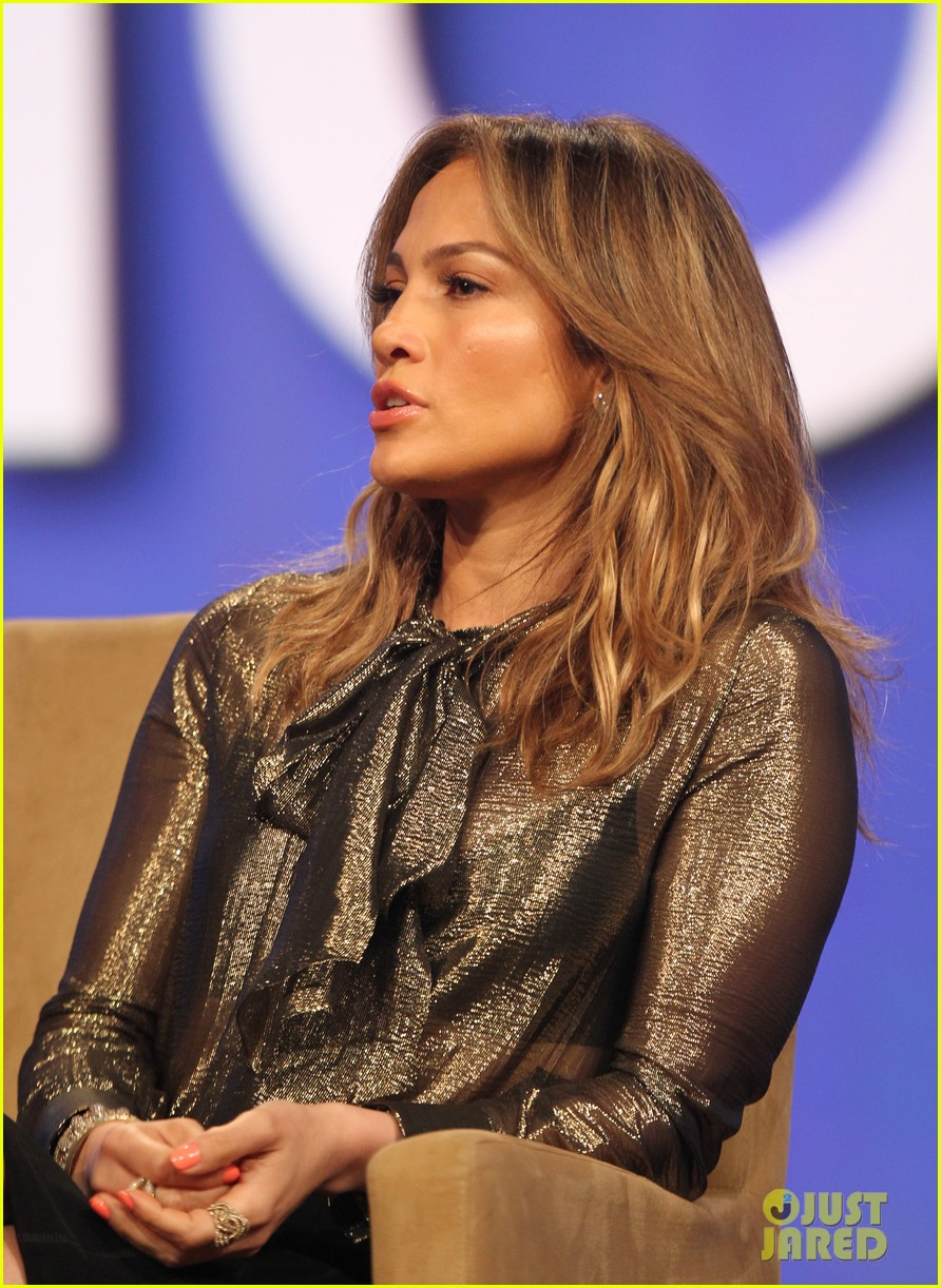 jennifer lopez visits the cable show 2013 in dc 14