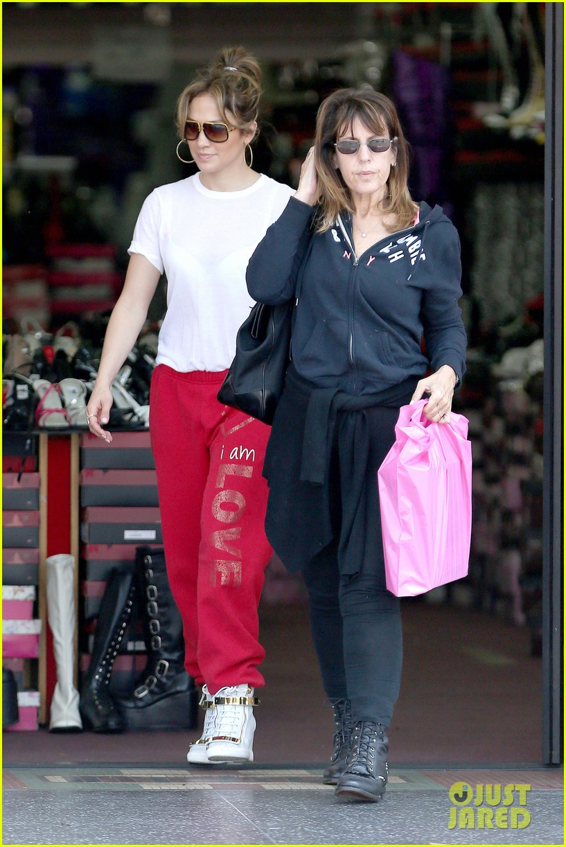 jennifer lopez wears cut out shirt while shopping 012887887