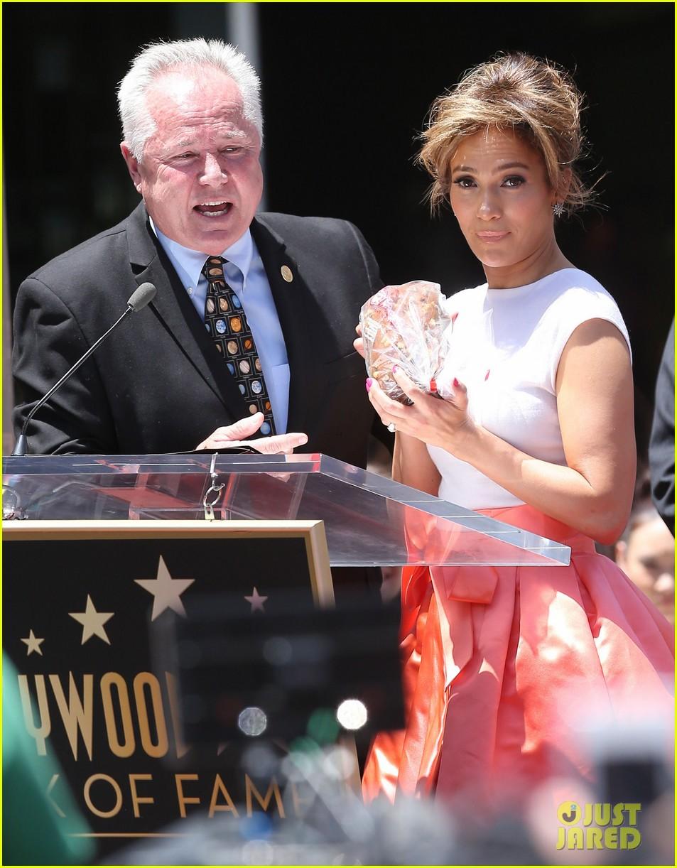 jennifer lopez receives star on hollywood walk of fame 30