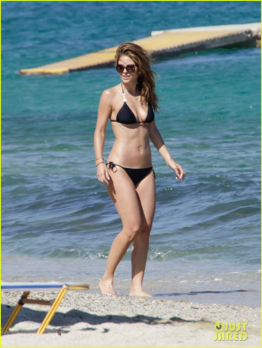 maria menounos flaunts bikini bod for womens health 032896657