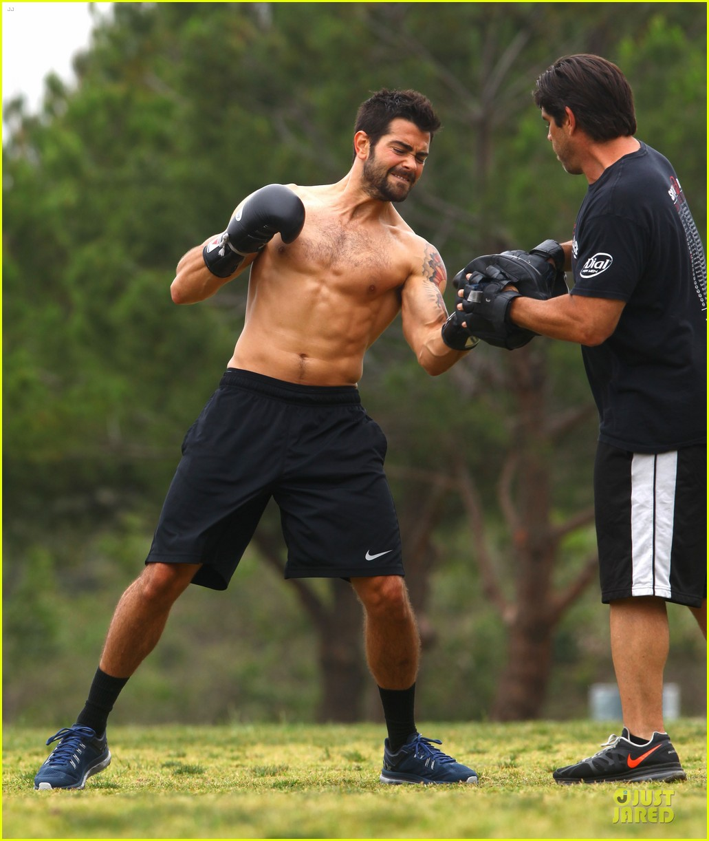 jesse metcalfe shirtless park workout 16
