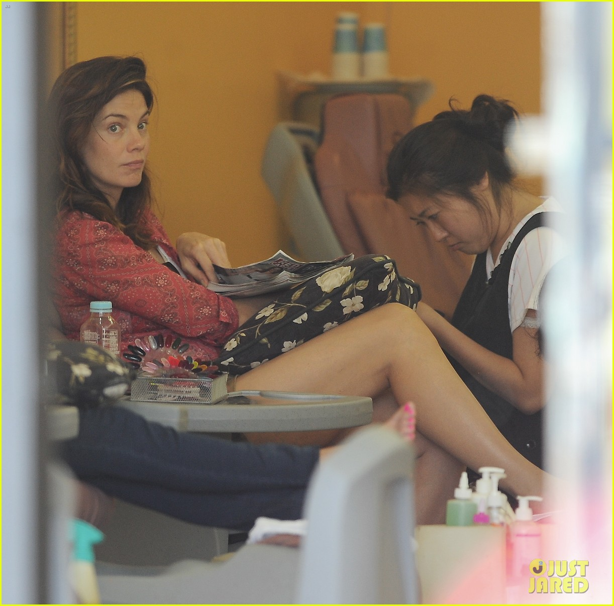 michelle monaghan visits the nail salon with willow 04