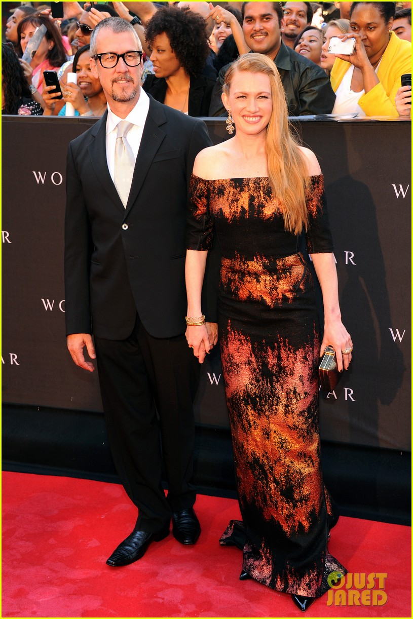 mireille enos james badge dale world war z premiere 11