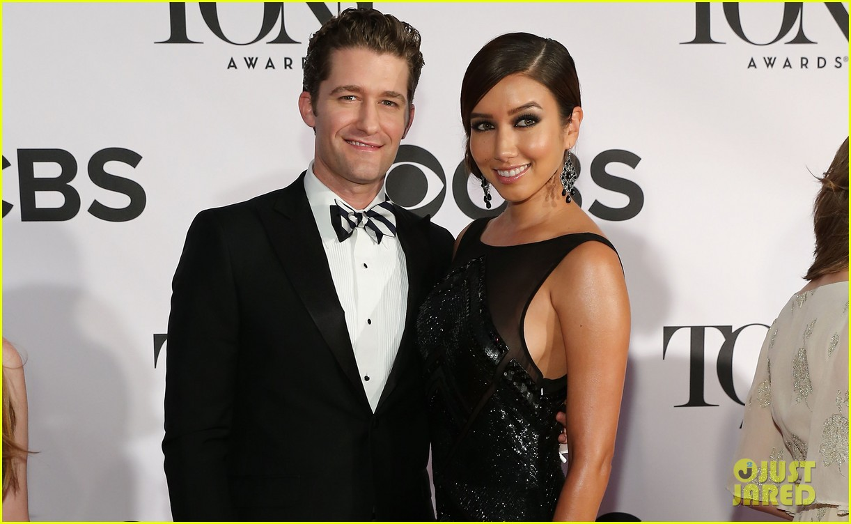 matthew morrison tony awards 2013 red carpet with renee puente 03