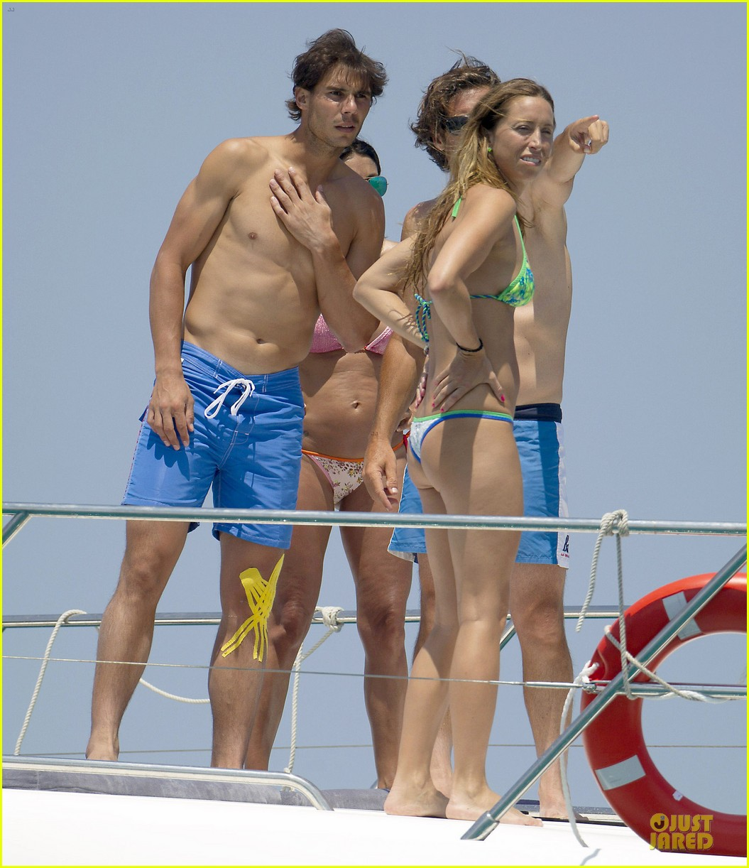 rafael nadal shirtless ibiza vacation with maria francisca perello 01