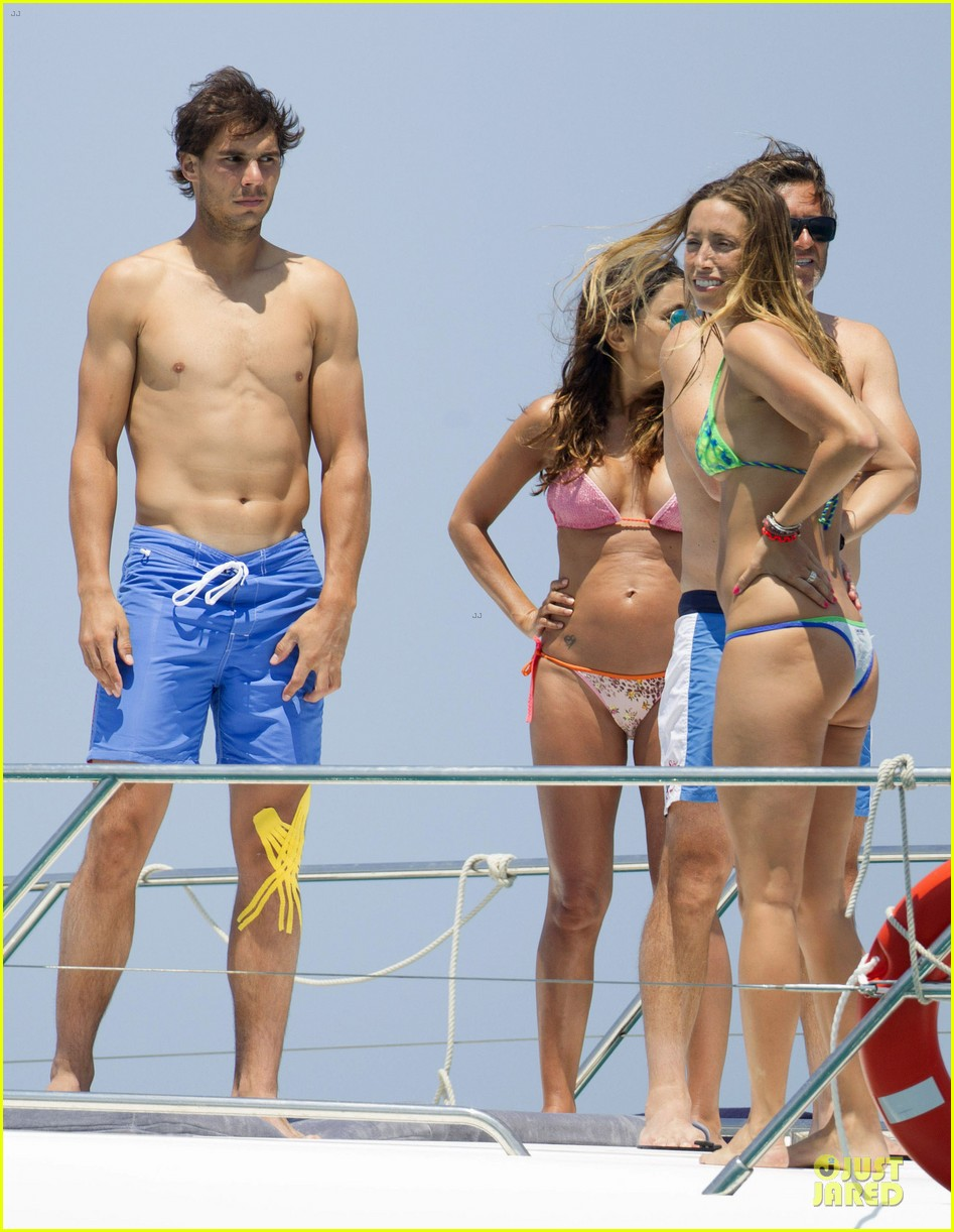 rafael nadal shirtless ibiza vacation with maria francisca perello 11