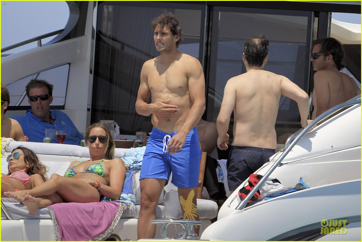 rafael nadal shirtless ibiza vacation with maria francisca perello 16