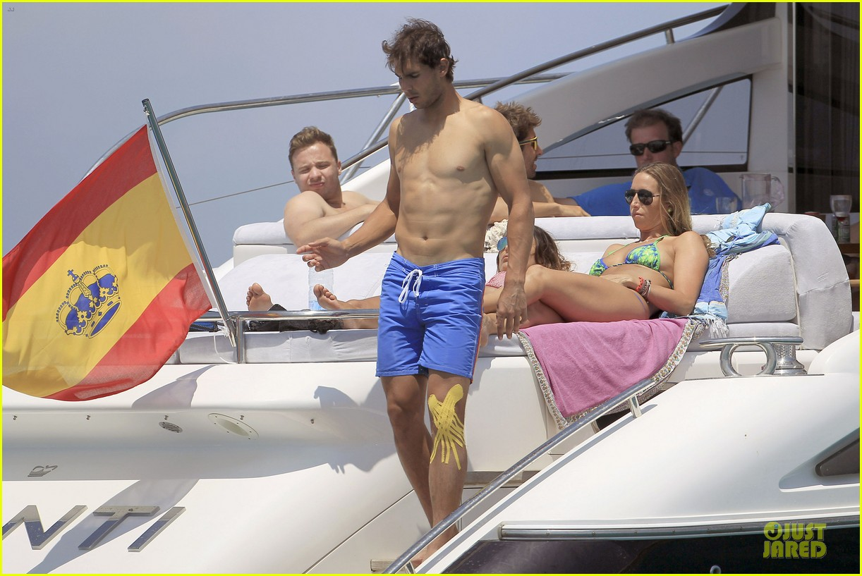rafael nadal shirtless ibiza vacation with maria francisca perello 22