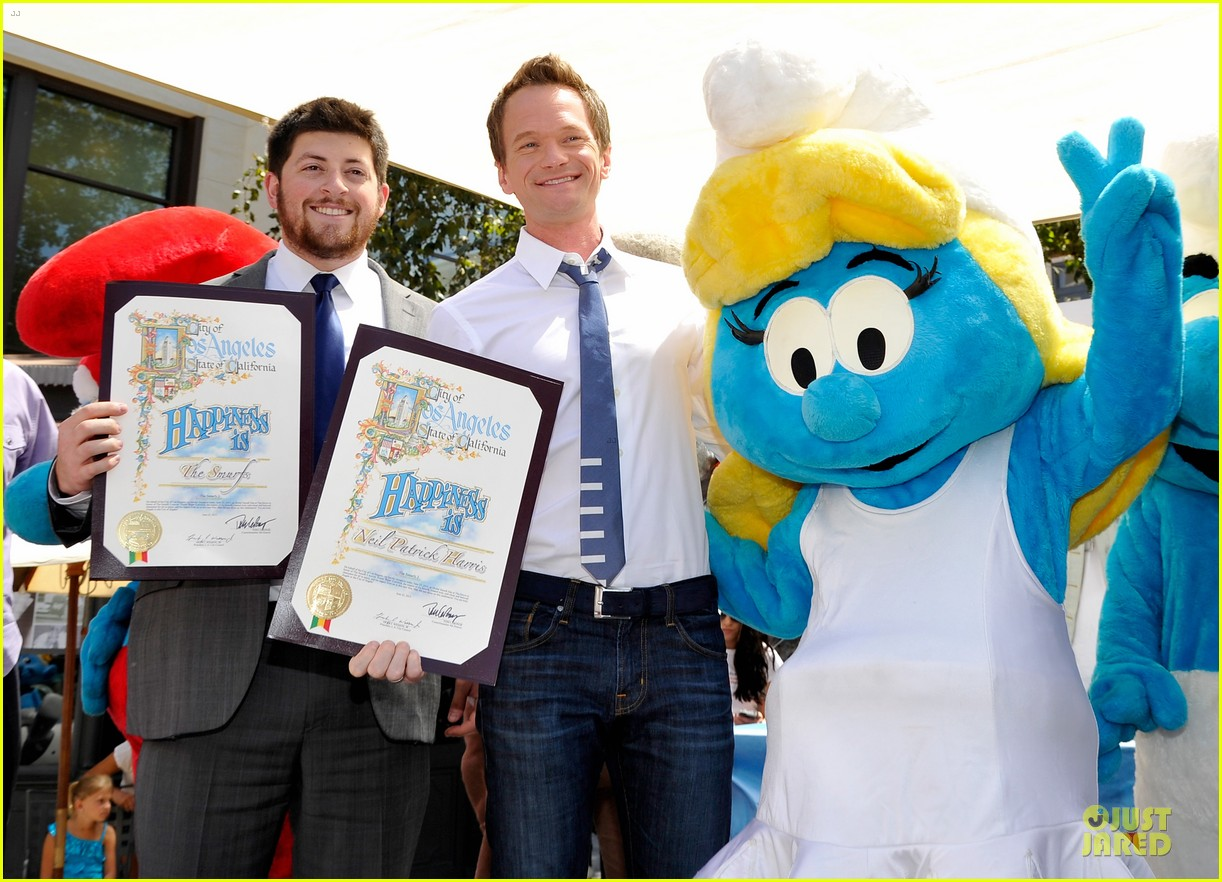 neil patrick harris global smurfs day celebration 022896347
