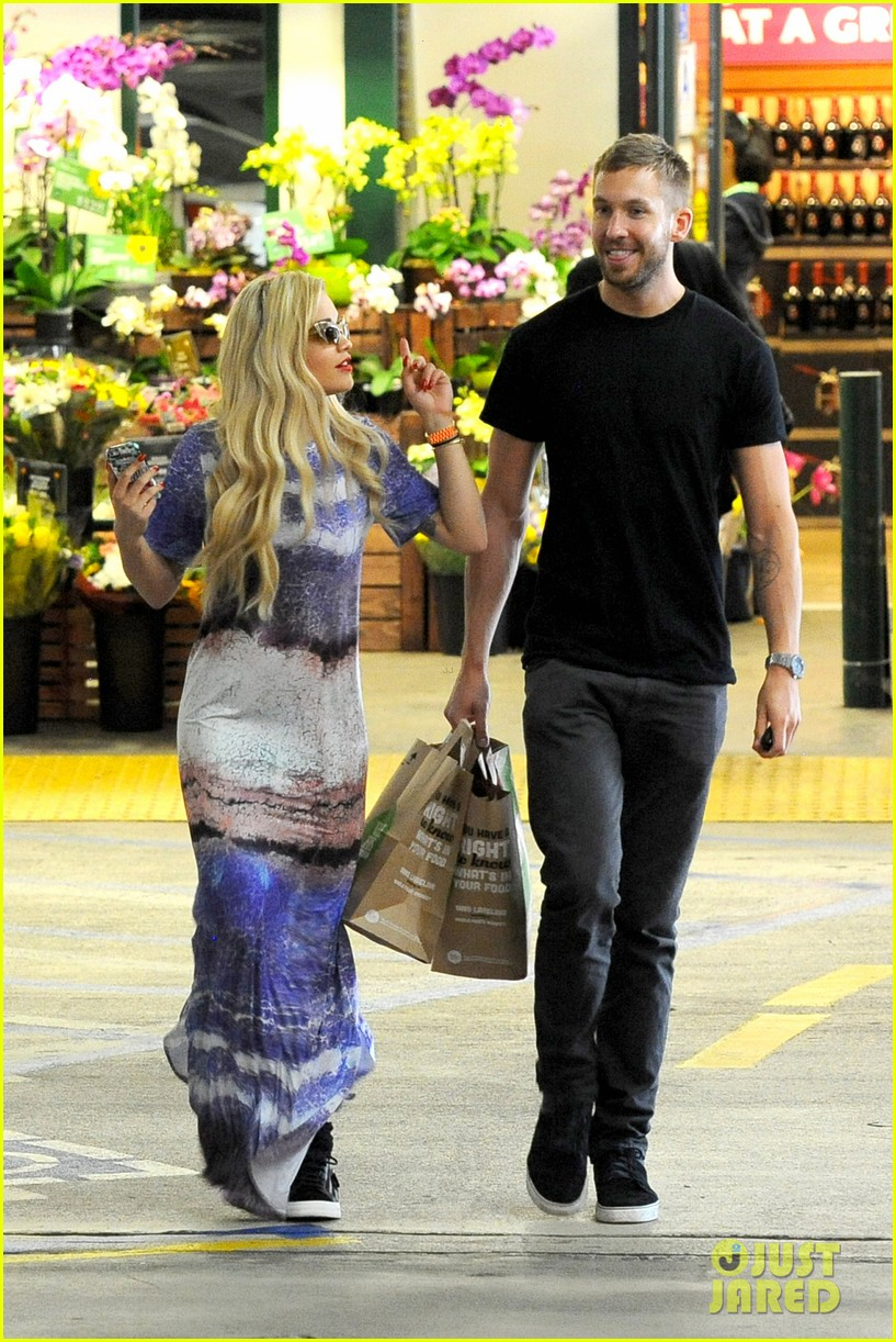 rita ora calvin harris cuddle up at whole foods 09