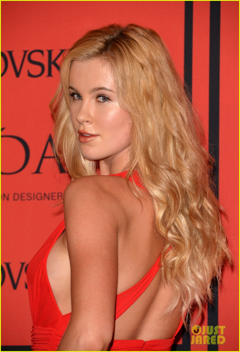 teresa palmer ireland baldwin cfda fashion awards 2013 04