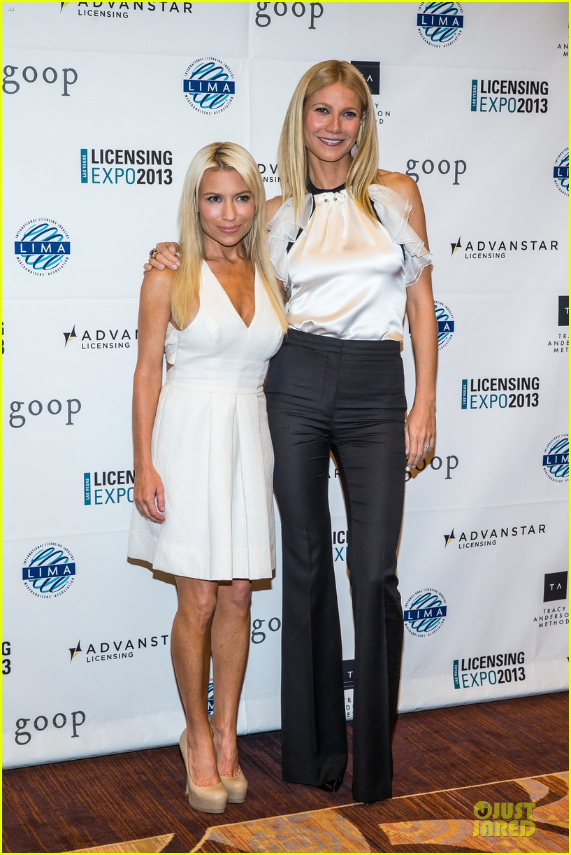 gwyneth paltrow licensing expo with tracy anderson 01