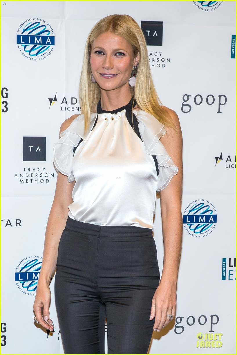 gwyneth paltrow licensing expo with tracy anderson 022893931