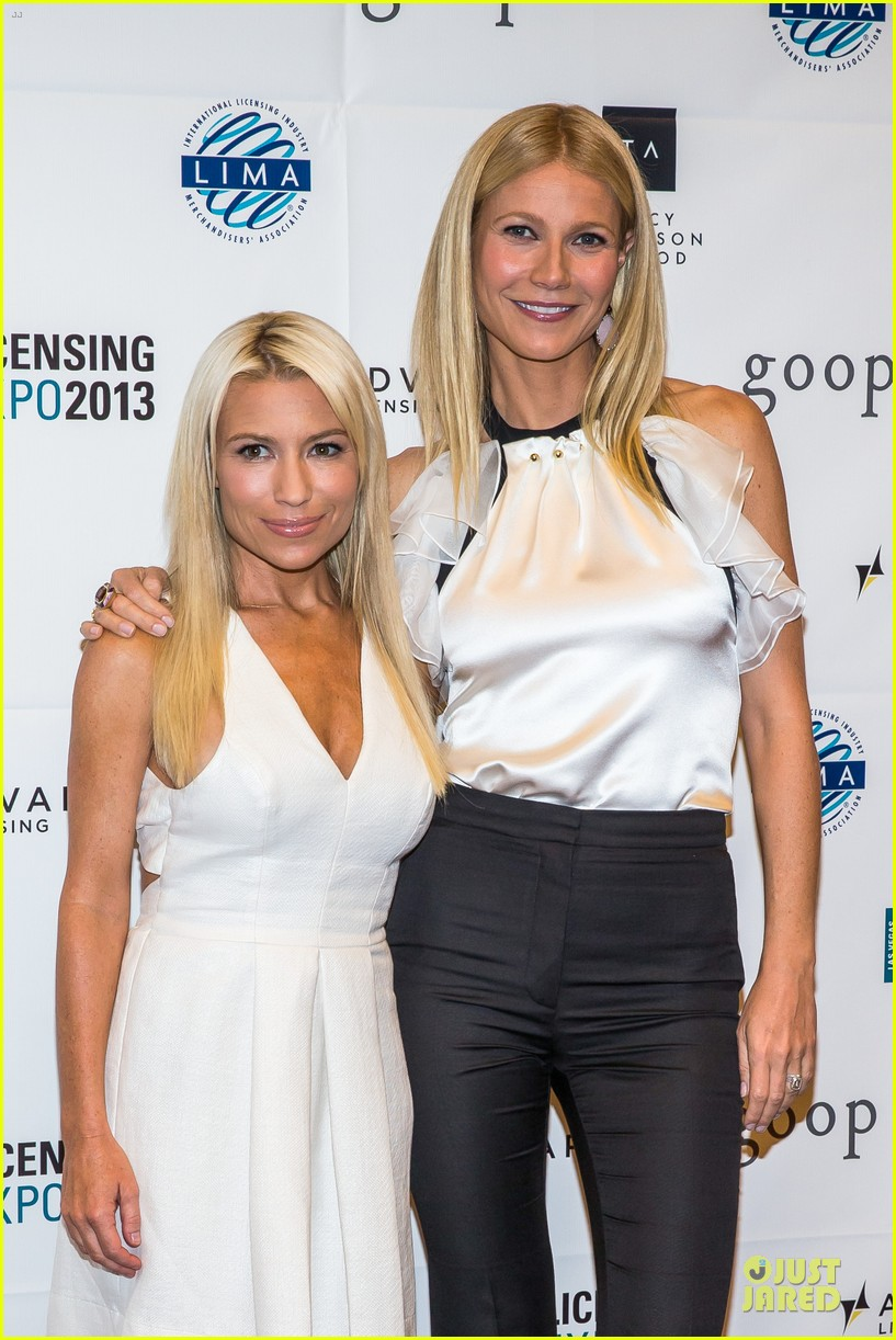 gwyneth paltrow licensing expo with tracy anderson 04