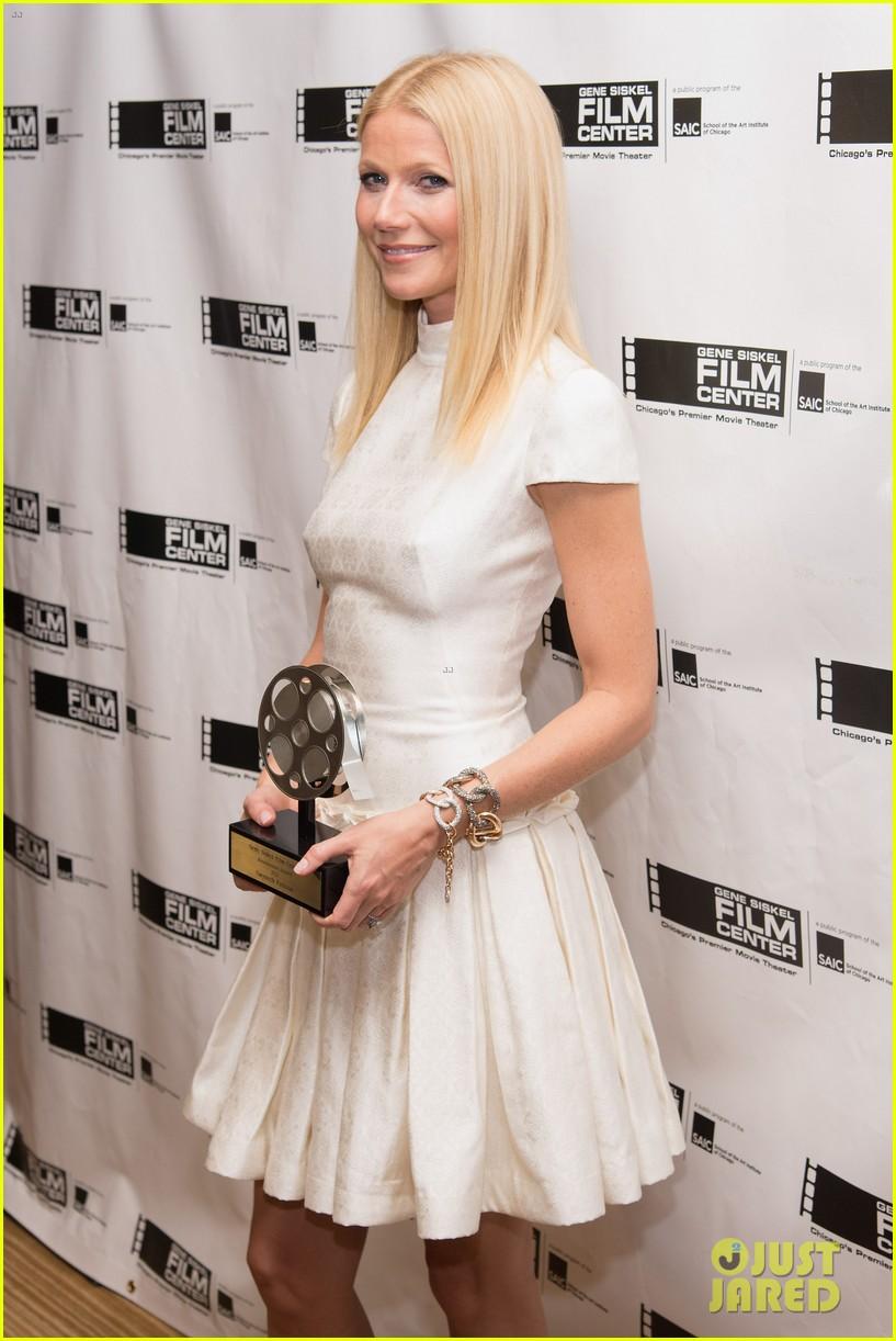 gwyneth paltrow gene siskel film center gala honoree 04