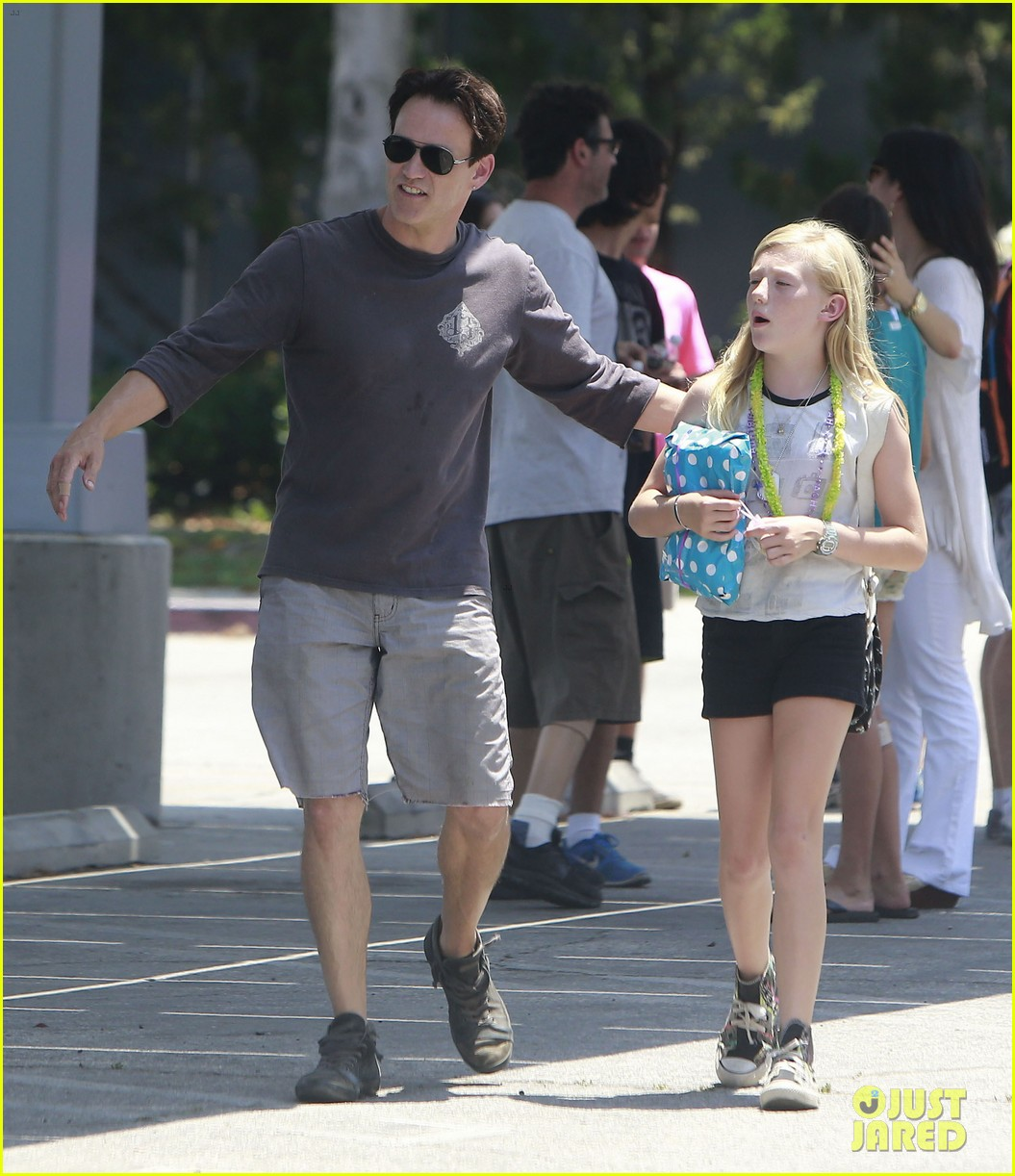 anna paquin stephen moyer lunch with charlie poppy 05