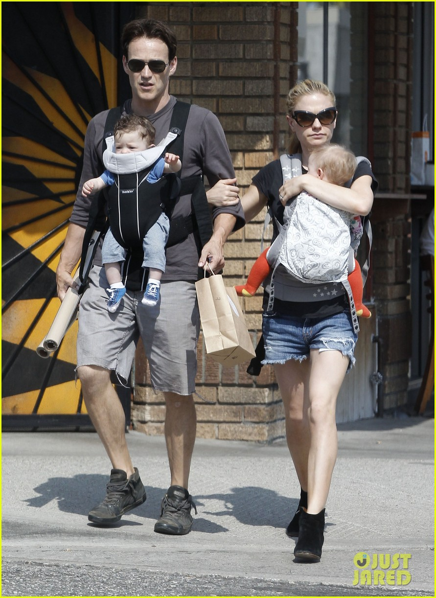 anna paquin stephen moyer lunch with charlie poppy 132900973