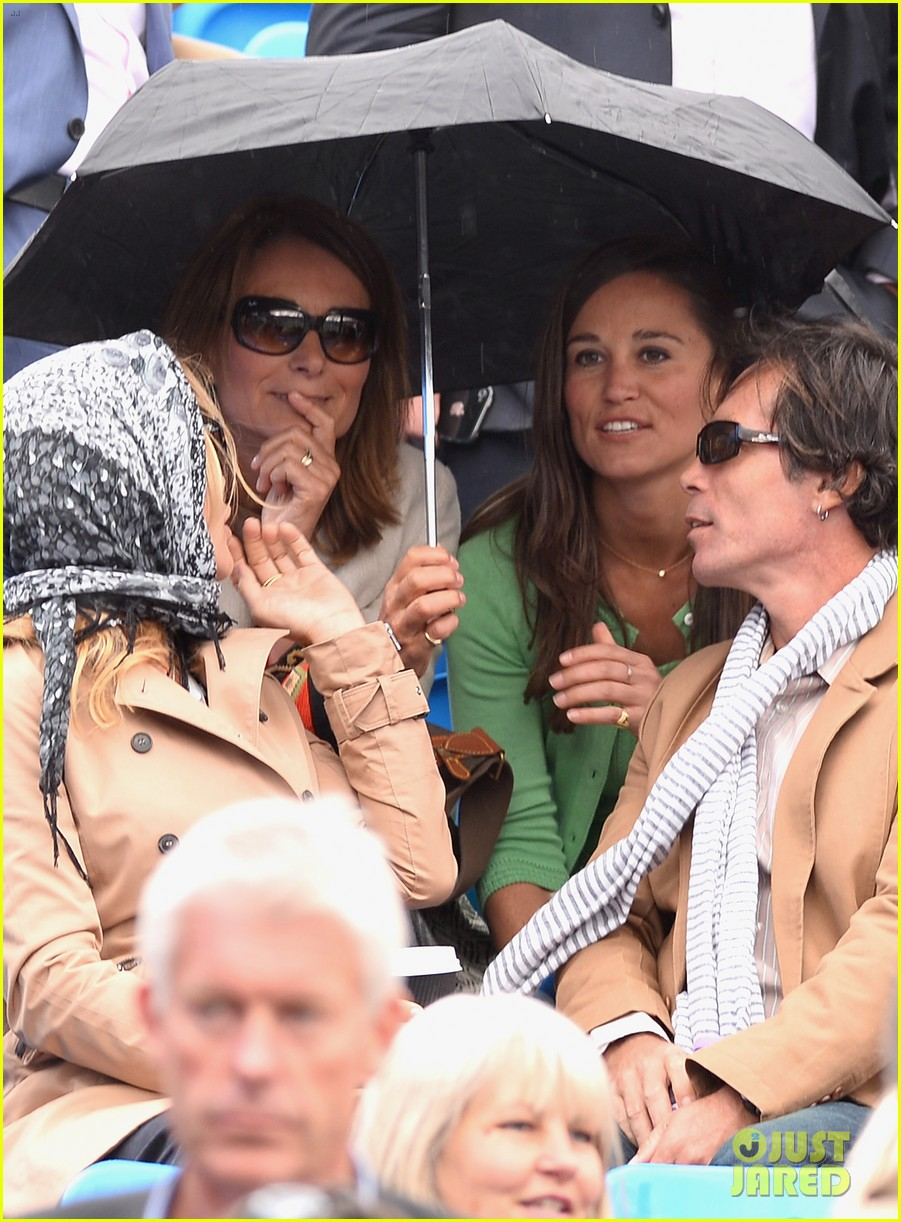 pippa middleton aegon championships with mom carole 19