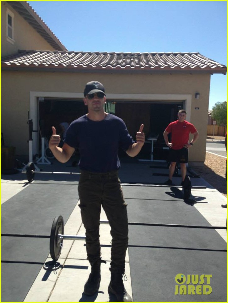 brad pitt shia labeouf visit fort irwin to prep for fury 05