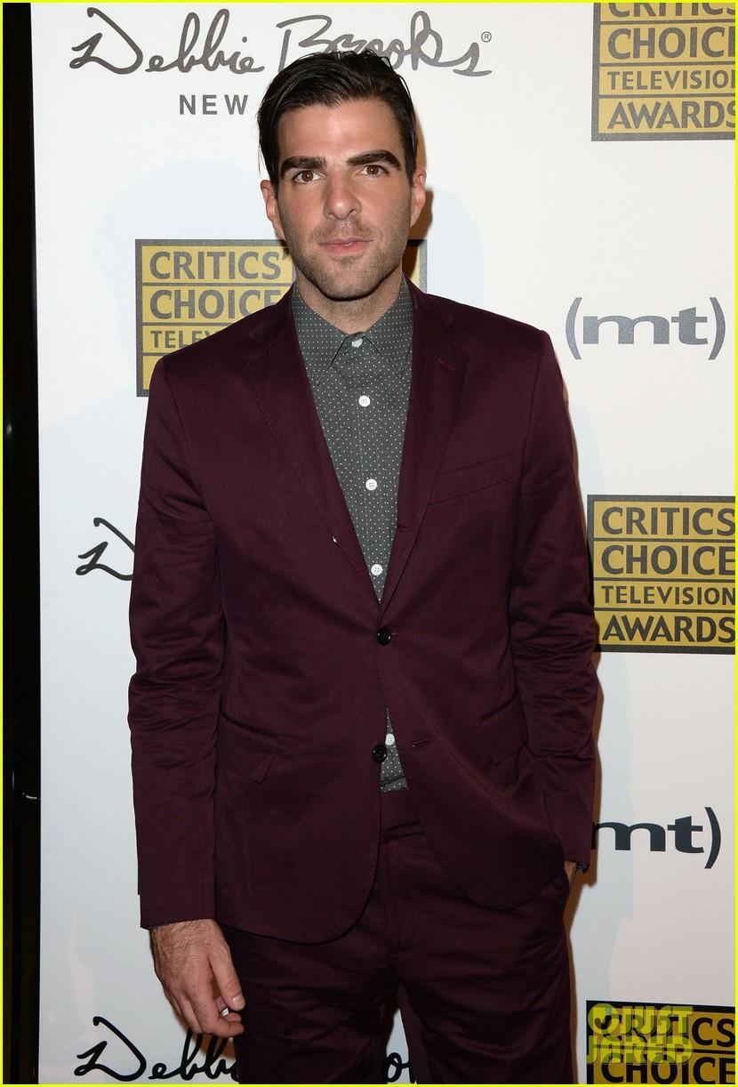 zachary quinto sarah paulson critics choice tv awards 2013 red carpet 02