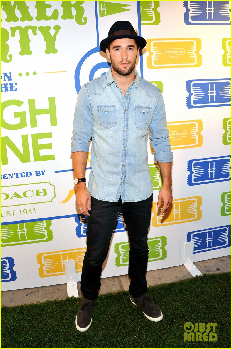 zachary quinto josh bowman coach summer party 08