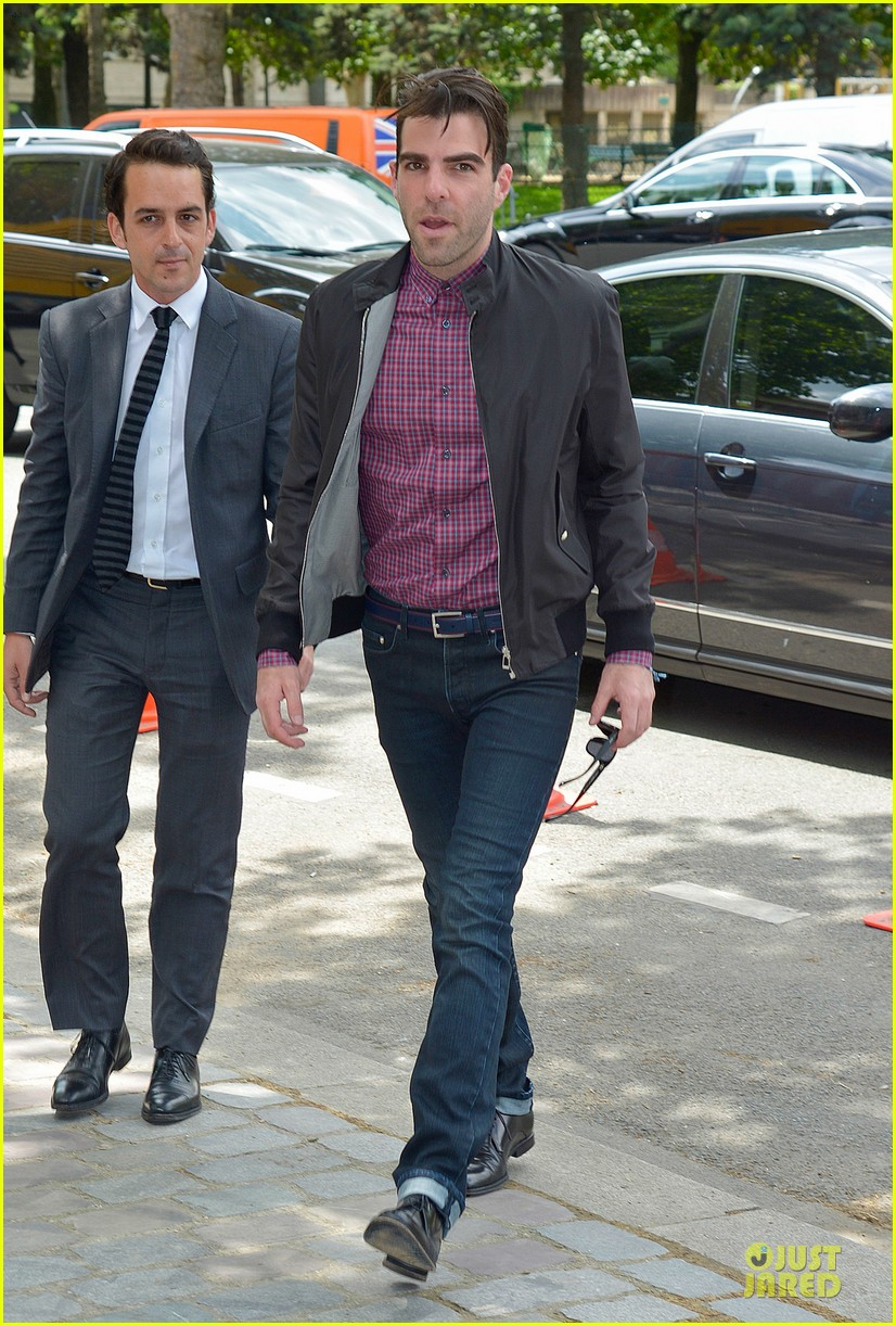 zachary quinto christian dior paris fashion show 01
