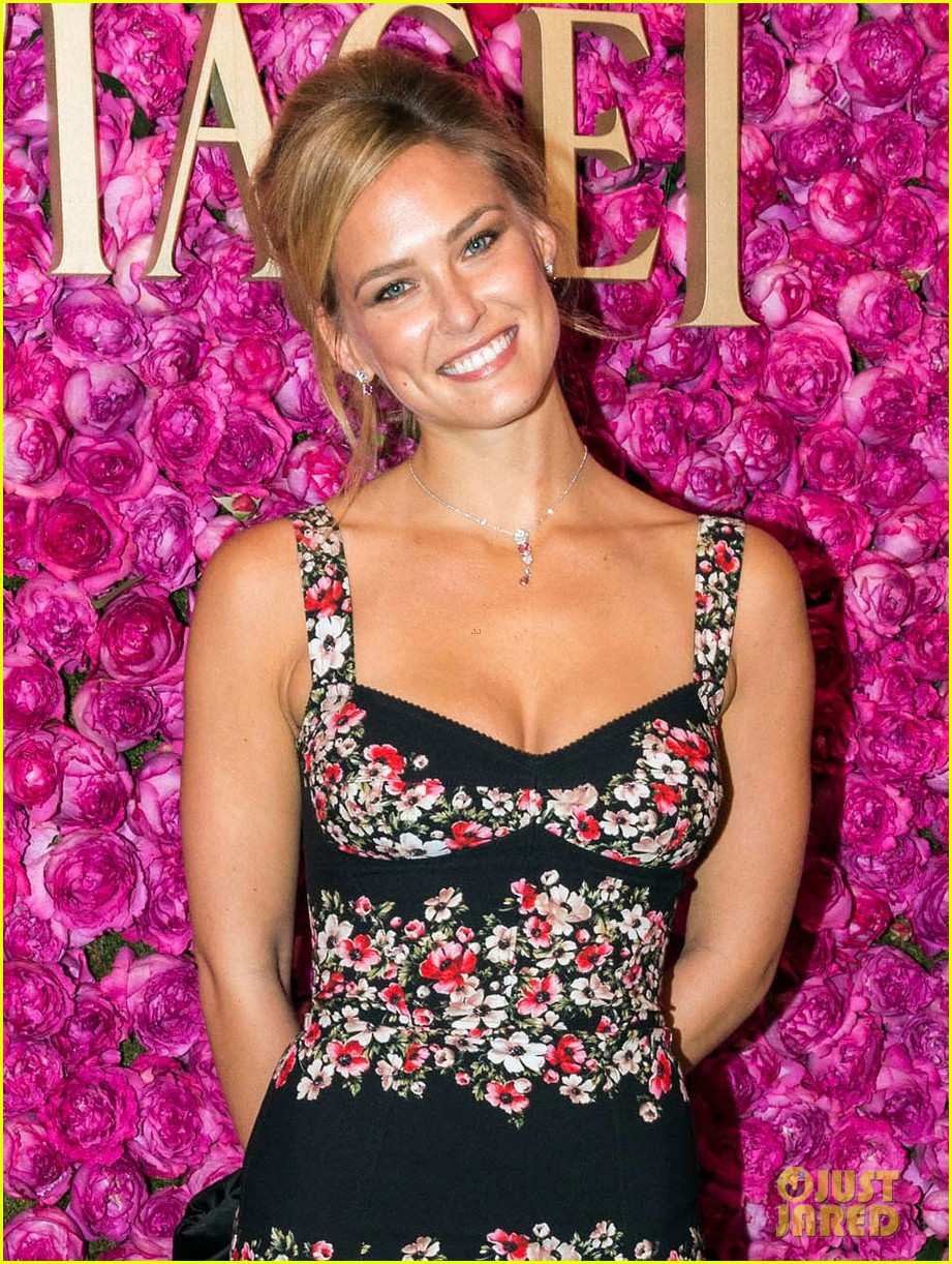 bar refaeli piaget rose day private event concert 042891081