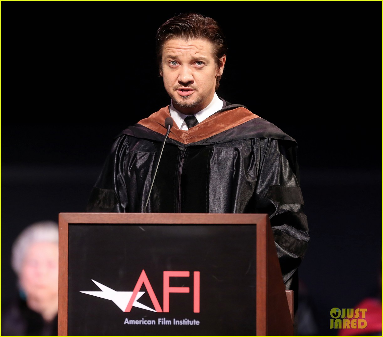 jeremy renner afi conservatory commencement ceremony 062890359